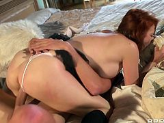 Make sure you don't miss out on this amazing hardcore scene where the busty redhead Tarra White is fucked silly by a guy as she ends up splattered by semen.