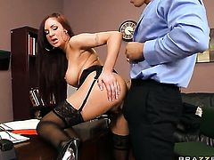 Amy Ried has some time to get some pleasure with hot fuck buddy Ramon