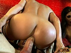Slutty and amazing curvy busty and attractive babes with nice ass get fucked hard in group sex. Have a look at these chicks in Brazzers Network sex video.