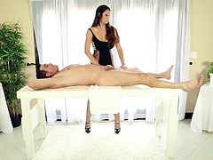 Soft massage over the guy's dick got voluptuous Alison Tyler needy to put her lips over and suck it dry