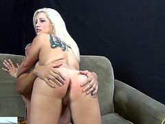 Unbelievable sex with the beautiful blonde Dayna Vendetta