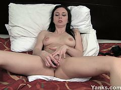 Yanks brings you a hell of a free porn video where you can see how an alluring and sensual brunette dildos her sweet pink cunt into a breathtaking explosion of pleasure.