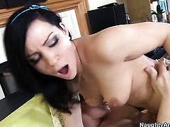 Talon is horny and cant wait any more to pound Tori Lux with big bottom and hairless cunt