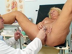 Pussy enlargment with big toys by horny doc for sleazy mature Greta during naughty gyno exam
