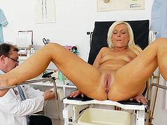 Golden mature, Simira, is in for a staggering session along horny doc to crack her pink cunt with stiff things