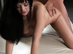 Anastasia Brill cant live a day without taking toy in her vagina