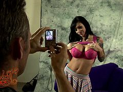 Big-breasted brunette Mason Moore, wearing a miniskirt, shows her big boobs to Marcus London and lets him taste her pussy. After that they fuck in the reverse cowgirl and the missionary positions.