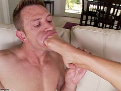 Asstastic blondie Aaliyah Love has sex with foot fetishist