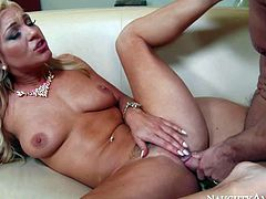 Cameron Dee seduces auditor Johnny Castle and gets her lovely trimmed pussy penetrated. Its blondes last chance to pay no taxes. Theres nothing but her gorgeous body and hard fucking on his mind.