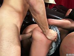 Latin gets her back swing stretched by Danny Mountains hard man meat