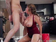 Clover gives beautiful Kianna Diors vagina a try in hardcore action