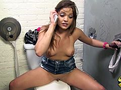 Cute Ashlynn Leigh has an amazing gloryhole experience