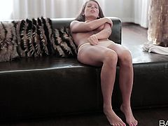 Delectable babe Lia Taylor fondles her cherry in arousing solo masturbation clip
