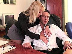 Lascivious blonde wench gets her snatch licked and rides hard dick in a cowgirl pose. Then she gives a head to the man and gets her asshole hammered from behind.