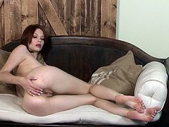 Have a good time watching this brunette doll, with a nice ass wearing jeans, while she masturbates erotically and reaches an orgasm.