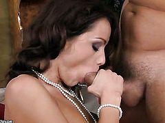 Brunette Sophie Lynx and hard dicked dude enjoy oral sex
