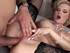 Check out this hardcore scene where the sexy Tarra White is eaten out by this guy before his thick cock penetrates her wet pussy and tight asshole.