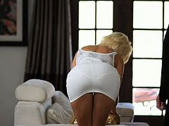 Anikka Albrite is a super hot blonde and her man brings in gifts that only get her hotter. With a ass like the one Anikka Albrite has she could seduce just about any man on this planet and here she is getting her car driver to fuck her. It's a scene that was filmed for Passion HD and is called of course