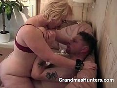 Grandmas Hunters brings you a hell of a free porn video where you can see how a chubby blonde milf gets banged amateur style into a breathtakingly intense orgasm.