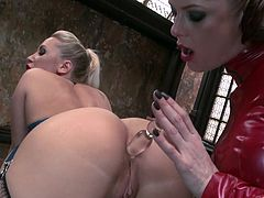 Check out this hot lesbian scene where these gorgeous blondes make you pop a boner as they please one another in this video.