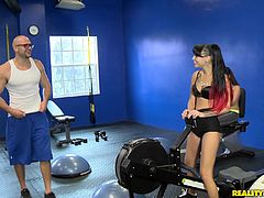 Take a nice look at this reality clip from Money Talks where dirty things happen as long as money is around. An amazing threesome at the gym.