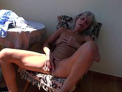 What are you waiting fort? Watch this sexy granny, with natural boobs and a nice ass, while she plays with a sweet girl using dirty toys.