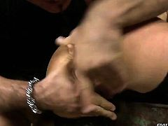 Lauro Giotto gets her fudge packed by Leslie Taylor in anal action