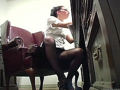 Crazy bald head guy licks smelly toes of slutty brunette secretary in glasses