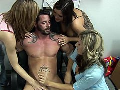 Handsome Guy With An Awesome Body Enjoying A Hardcore Gangbang In His Office