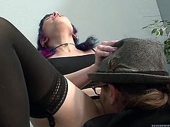 Perverted college student gives her teacher some nice deepthroat