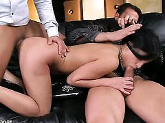 Teen Lexy Little gets her anal hole drilled full of tool