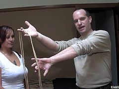 Having problems making a knot so you can properly punish your loved ones? Then pay attention to this lesson brought to you by Kink University, the perfect place to learn everything about your kink! For today you will learn two easy ties, easy and very tight! You can never know when you need to make a decent knot!