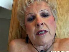Jewel flaunting her granny pussy. The day when your nasty wishes be fulfilled is this day with her. There is no stopping her in this naughty show for your entertainment.