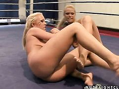 Blonde Wivien with big breasts is in heaven doing it with horny lesbian Jessica Moore