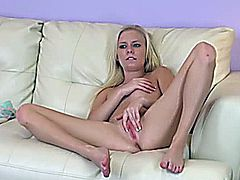 A Elaina Raye Webcam Show