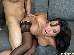 This brunette loves to treat people when they do good. The hot stud gets a good suck for a hardcore blowjob fun action.