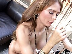 Senora Monique Fuentes loves guys erect man meat thrusting back and forth in the muff pie