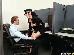Jayden Jaymes is lucky to get in this porn fuck scene with hot pussy and a hard cock. She gets to suck the huge dick hardcore in orgasm.