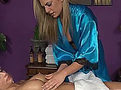 Blonde massage fetish babe eats pussy on her massage table