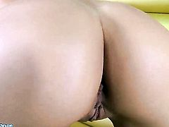 Blonde Karina Shay gives a closeup view of her hole while masturbating with dildo