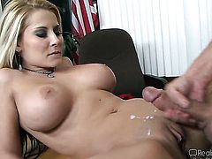 Bill Bailey plays with wet pussy of Bobbi Starr before he fucks her hard