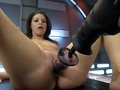 Mia Gold jerking Her butt And having shaged By Machine