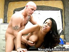 Derrick Pierce uses his throbbing schlong to bring Havana Ginger to the height of pleasure