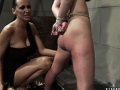Brunette Zyna Baby cant wait to be tongue fucked her lesbian lover Mandy Bright