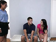 With round butt and Sofia Rivera play with each others erect nipples and vagina in lesbian action