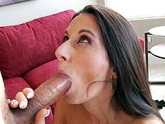 Naughty Nikki Daniels gets hungry for a good dick in her mouth
