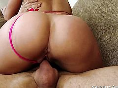 Candice Dare with juicy booty and trimmed bush gets ploughed in her wet spot by Alan Stafford