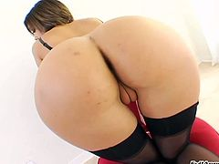 Bootyful chick of your dream presents playful anal hole