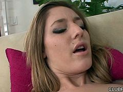 Lustful babes Amber Michaels and Casana enjoy eating each others pussies