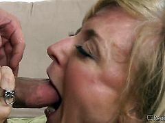 Seth Gamble gets pleasure from fucking Roxanne Hall in her love tunnel
